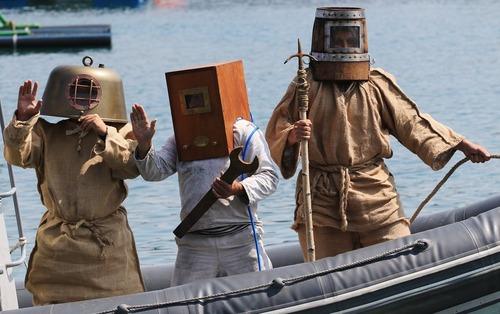رقابت غواصان ایرانی، ونزوئلایی و روسی در شهر بندری سواستوپول