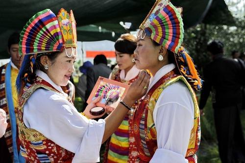 آماده شدن برای جشنواره سنتی اوپرای تبت در شهر لهاسا
