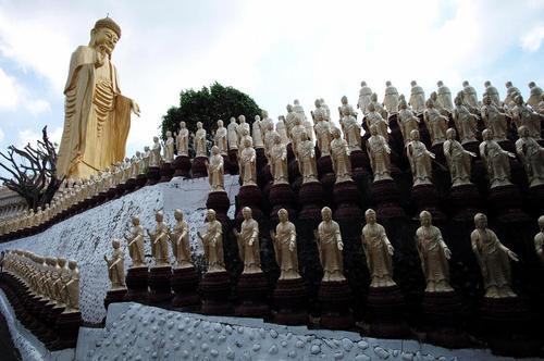 صومعه مشهور