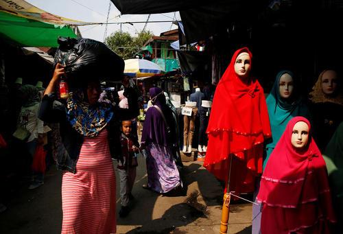 بازار پارچه فروشان در جاکارتا اندونزی