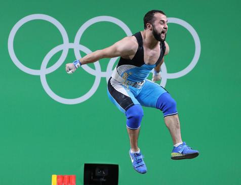 شادمانی وزنه بردار قزاق از کسب مدال طلای المپیک