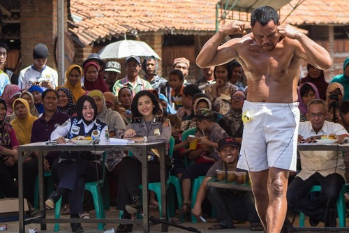 مسابقه مردان عضلانی در اندونزی