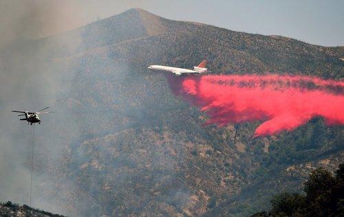 آتش سوزی در بیش از 6 هزار هکتار از جنگل ها و مراتع در ایالت کالیفرنیا آمریکا