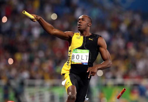 کسب مدال طلای مسابقات دو 4 در 100 متر امدادی مردان در المپیک ریو از سوی یوسین بولت دونده اسطوره ای جاماییکا . این نهمین مدال طلای بولت در سومین حضورش در المپیک سه دوره اخیر است