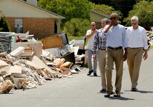 بازدید باراک اوباما رییس جمهور آمریکا از خسارات ناشی از سیل در ایالت لوییزیانا
