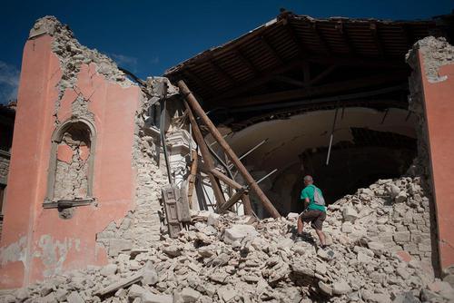 خرابی های ناشی از زلزله در شهر آماتریس در مرکز ایتالیا