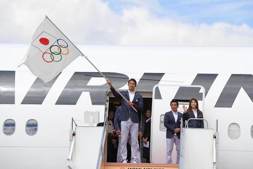 استقبال از بازگشت کاروان المپیکی ژاپن در فرودگاه هاندا توکیو