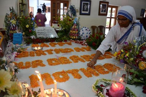 مراسم گرامی داشت صدوششمین سالگرد تولد مادر ترزا در کلکته هند