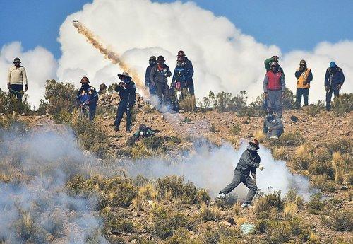 ادامه تظاهرات معدنکاران علیه سیاست های اقتصادی دولت ایوو مورالس رییس جمهوری بولیوی