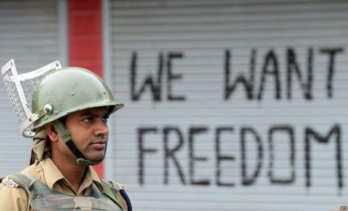 پلیس هند در کمشیر ناآرام