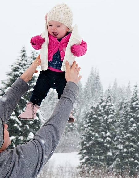 هرگز کودک خود را به آسمان پرتاب نکنید