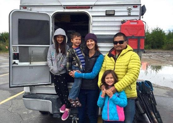 مسافرت عجیب این خانواده هیچ وقت تمام نمیشود! + تصاویر