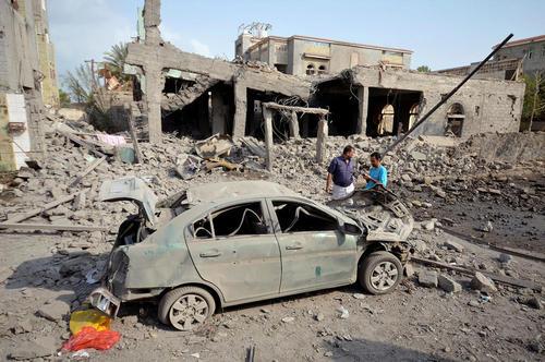 حمله جنگنده های سعودی به بندر حدیده در یمن