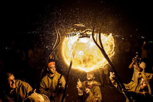 جشن شب آتش در کاتالونیا اسپانیا