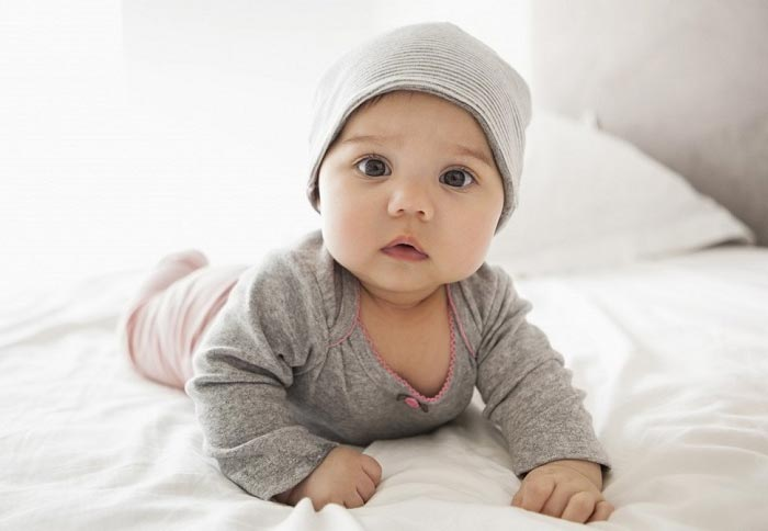 دلایل مهم بیدار شدن نوزادان در شب