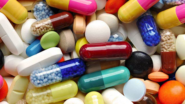 مضرات مصرف خودسرانه ی دارو برای خانم ها