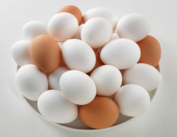 تخم مرغ محلی یا صنعتی، کدام سالم تر است؟