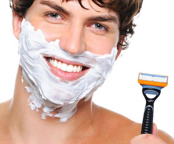 6 اشتباه اصلاح با تیغ که به پوست شما آسیب می رساند