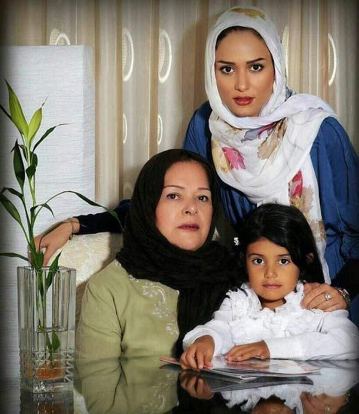 عکس جدید پریناز ایزدیار در کنار مادرش