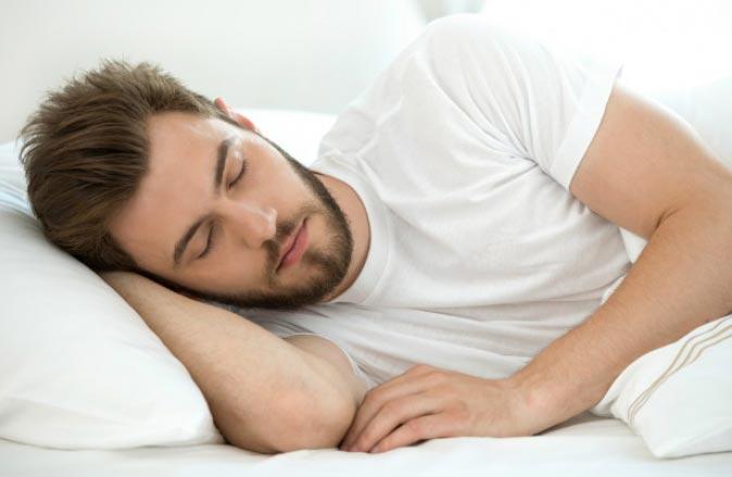 این ۶ کار را هنگام خوابیدن انجام ندهید!