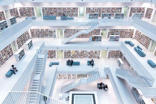دکور و نورپردازی جالب کتابخانه اصلی شهر اشتوتگارت آلمان
