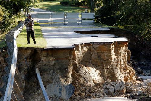 رانش زمین در اثر توفان متیو در ایالت کارولینای شمالی آمریکا