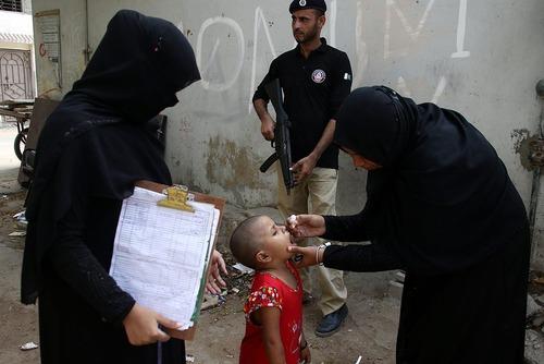 واکسیناسیون فلج اطفال در شهر کراچی پاکستان