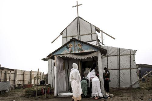 کلیسای ارتدوکس در اردوگاه موسوم به جنگل در کاله فرانسه