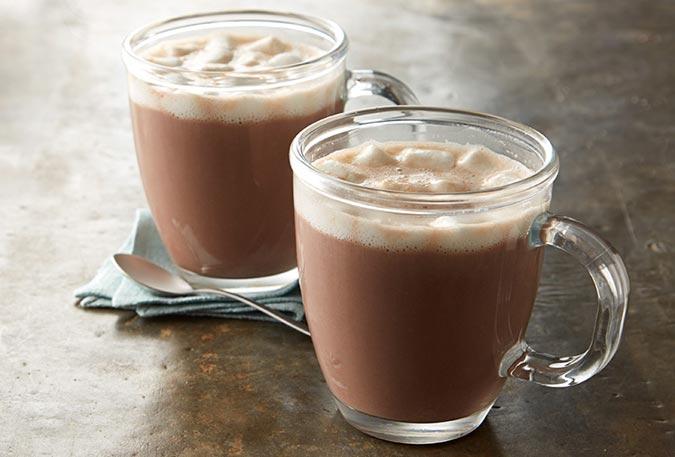۵ خاصیت نوشیدن کاکائوی داغ