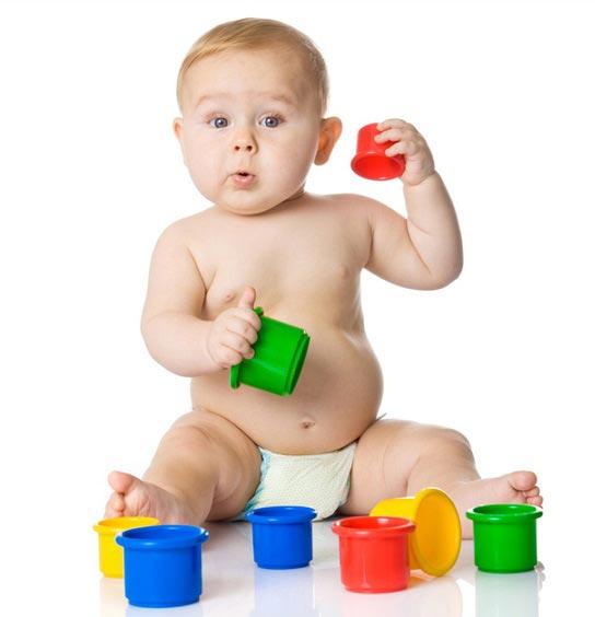 نحوه خرید اسباب بازی برای نوزادان زیر یک سال
