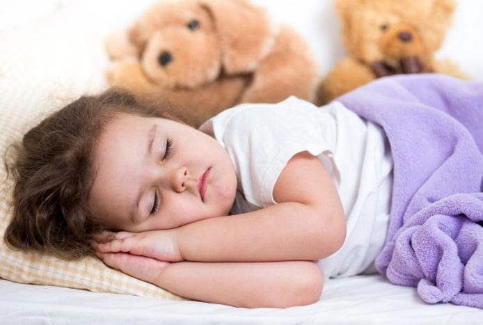 ۱۱ راهکار برای جلوگیری از شب ادراری کودکان