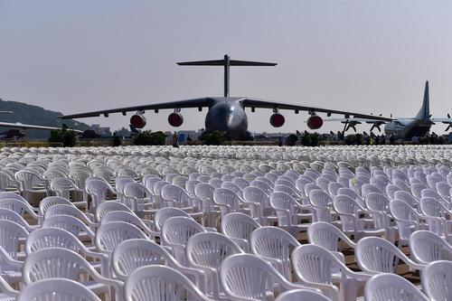 رونمایی از یک هواپیمای باری تولید چین در یازدهمین نمایشگاه بین المللی صنعت هوانوردی در این کشور