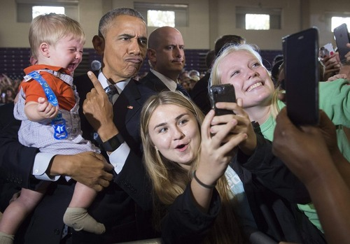 حاشیه های سخنرانی اوباما در کمپین انتخاباتی هیلاری کلینتون
