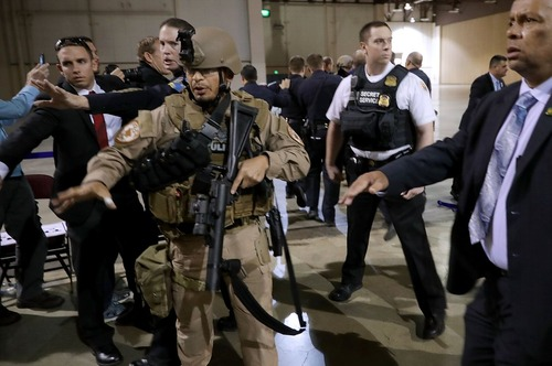 ترتیبات امنیتی برای جلسه سخنرانی دونالد ترامپ نامزد انتخابات ریاست جمهوری آمریکا در شهر رنو در ایالت نوادا