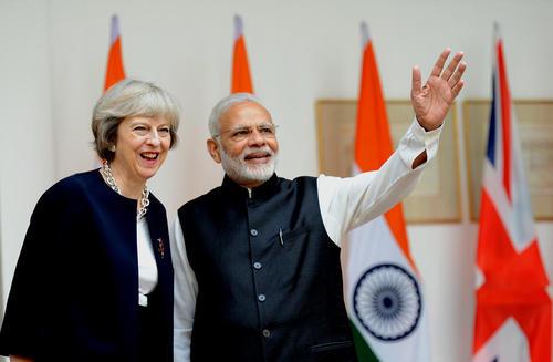 سفر ترزا می نخست وزیر بریتانیا به هند و دیدار با همتای هندی – دهلی