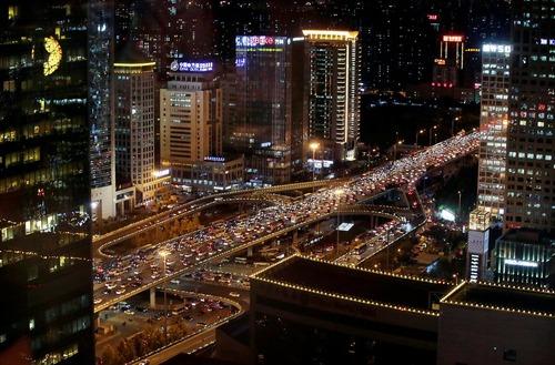 ساعت شلوغی و ترافیک شبانگاهی در شهر پکن