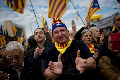 راهپیمایی در هواداری از جدایی کاتالونیا از اسپانیا – بارسلونا