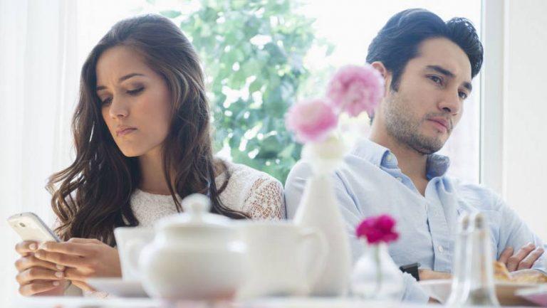 اشتباهاتی که با شریک زندگیتان مرتکب می شوید