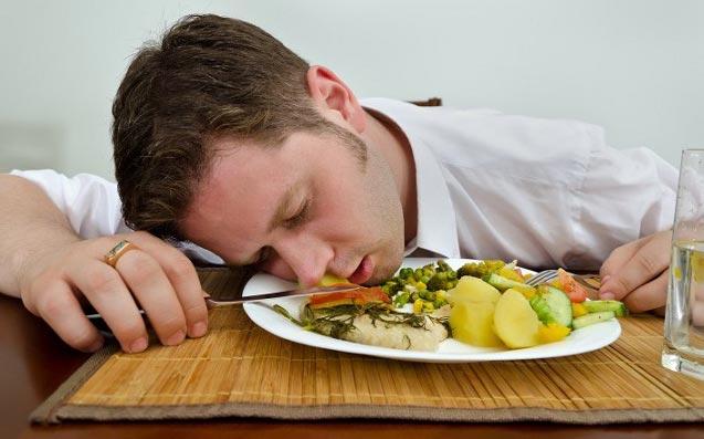 انجام این کارها پس از صرف غذا بدنتان را نابود می کند