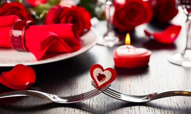 این غذاها را در اولین شام عاشقانه تان نخورید!