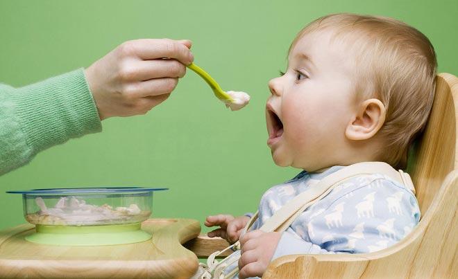 این غذاها را به کودک خود ندهید!