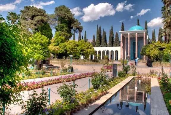 حکایت های گلستان سعدی: باب سوم، حکایت 18 – یا قناعت یا خاک گور
