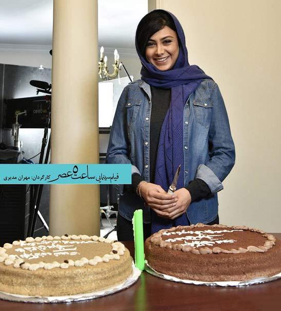 جشن تولد آزاده صمدی در پشت صحنه فیلم مهران مدیری + عکس