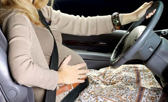 نکات مهم برای خانم های باردار هنگام رانندگی