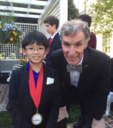 پسر بچه 11 ساله بهترین استاد دانشگاه + عکس