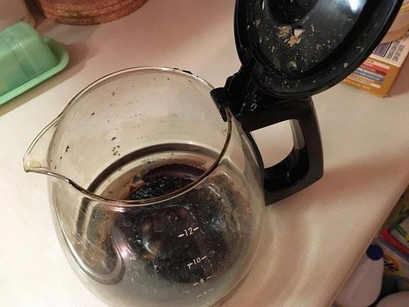 روش تمیز کردن قهوه جوش سوخته