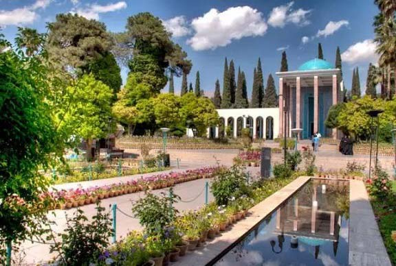 حکایت های گلستان سعدی: باب ششم، حکایت 4: پیش دستى آرام رونده بر شتاب زده