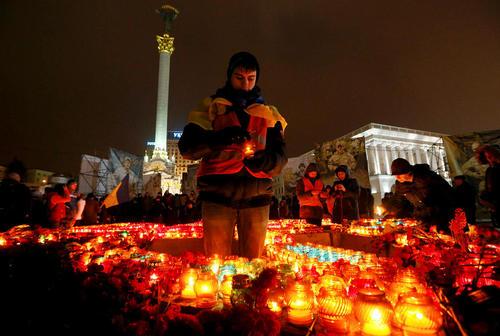 سومین سالگرد اعتراضات خیابانی اوکراین که منجر به خلع رییس جمهور سابق این کشور از قدرت شد – میدان مرکزی شهر کی یف