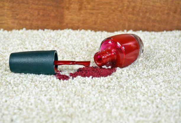 روش پاک کردن لاک از روی وسایل