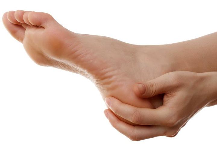 معجزه روغن زدن به کف پا